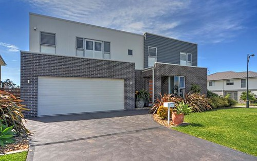 17 Sloop Avenue, Shell Cove NSW