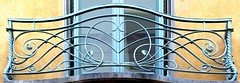 Barcelona - Pg. St. Gervasi 051 46 (Arnim Schulz) Tags: modernisme modernismo barcelona artnouveau stilefloreale jugendstil cataluña catalunya catalonia katalonien arquitectura architecture architektur spanien spain espagne españa espanya belleepoque fer castiron ferdefonte hierro ferro iron eisen gusseisen schmiedeeisen forjado forgé wrought forged art arte kunst baukunst ferronnerie gaudí fence liberty textur texture muster textura decoración dekoration deko deco ornament ornamento