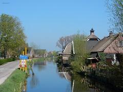 Lopiker Wetering bij Cabauw (bcbvisser13) Tags: village dorp rivier wetering water huizen reflectie plaatsnaambord perspectief panorama lopikerwetering cabauw gemlopik provutrecht nederland eu
