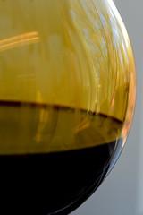 Lignin Reflection (avtencza) Tags: science chemistry laboratory beaker wetlab