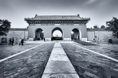 Temple of Heaven (Bill Thoo) Tags: templeofheaven beijing china temple chinese historical monument architecture building travel imperial emperor royal monochrome blackandwhite gate stone sony a7rii samyang 14mm urban city landscape