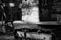 (Mr. Tailwagger) Tags: leica m240 summilux 75mm tailwagger farm equipment rusty steamshovel treads