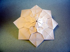 Progressive flower - Jorge Jaramillo (Rui.Roda) Tags: origami papiroflexia papierfalten tessellation tecelado tecelagem progressive flower jorge jaramillo s nice one