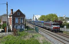 SNCF BB15030, Rantigny, 9-4-2017 15:06 (Derquinho) Tags: ter848520 st just en chausée paris nord sncf bb15030 bb 15000 bb15000 nez cassé rantigny