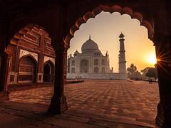 Mighty Taj - Agra, India (Kartik Kumar S) Tags: taj tajmahal agra uttarpradesh india gateway sunrise light morning sunburst arch shahajahan canon 600d tokina 1116mm