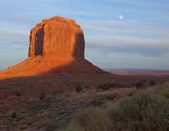 Monument Valley Utah (ftherit) Tags: sunset moonrise rock formations sandstone monument valley utah usa canon 5d 2470mm