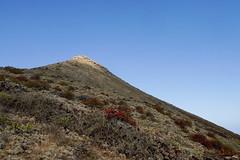Contrast (simonturkas) Tags: lanzarote canaryislands islascanarias volcano explore travel adventure spain amazing landscape interesting