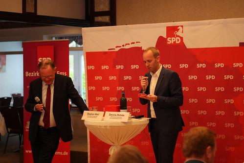 """Im """"Ohrweger Krug"""" hat Stephan Weil Rede und Antwort gestanden - ich habe die Veranstaltung moderiert."""