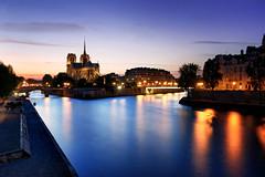 Notre dame (Guillaume_BRIAND) Tags: nikon d100 1424 filtre filter nd nuit night paris notre dame seine quai