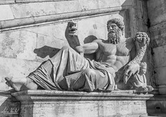 Statue in Rome (lvertel) Tags: canon sx60 amateur photography beautiful shot rome italy history