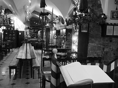 Trieste_132_1718 (Paolo Chiaromonte) Tags: olympus omdem5markii micro43 paolochiaromonte mzuikodigital17mm118 trieste friuliveneziagiulia italia bw biancoenero blackandwhite monochrome italy zwartwit