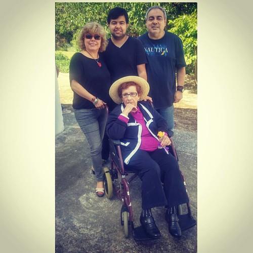 Celebrant el Dia de la Mare, la meva família i jo amb la meva mare