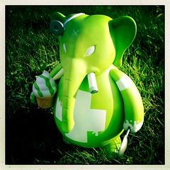 Dr Bomb (nefasth) Tags: toy vinyl kozik jouet smorkin designertoy toy2r drbomb limesherbert hipstamatic