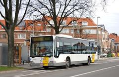 330222 358 (brossel 8260) Tags: bus belgique brabant delijn prives