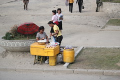 Street Seller in Haeju (Ray Cunningham) Tags: north korea dprk coreadelnorte haeju