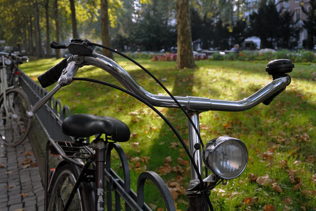 the world 39 s best photos of fahrrad and fahrradlampe flickr hive mind. Black Bedroom Furniture Sets. Home Design Ideas