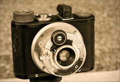 Kinka Lucky (newmexico51) Tags: camera japanese thirties 1930s 127 elka kinka gregorypeterson kinkalucky yamamotoshashinkikōsakusho 山本写真機工作所