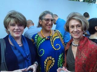 Friends Julietta Vals, Charo Orquet and Isis Hoffman at de la Cruz garden