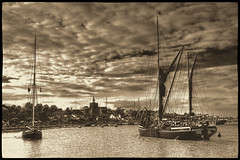 Maldon Regatta (Andy Gant) Tags: england river boats boat riverside sails essex canoneos bwphotography maldon 2014 thamesbarge riverblackwater vintageeffect bwhdr bytheriverside blackwhitehdr countyofessex canoneos550d maldonregatta