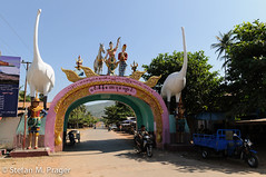 715-Mya-MAWLAM-190.jpg (stefan m. prager) Tags: southeastasia burma buddhism myanmar birma moulmein buddhismus mawlamyaing mudon mawlamyine südostasien