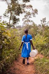 Fetching water | Kenya (ReinierVanOorsouw) Tags: kenya health wash kenia hygiene ngo sanitation kakamega kenyai kisumu beyondborders gezondheid qunia  simavi   beyondbordersmedia beyondbordersutrecht sanitatie ngoproject
