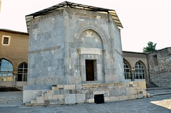 141003 sd s (187) (galpay) Tags: grave turkey nikon türkiye tomb mosque sd cami konya mezar konia alaeddin türbe külliye galpay d7000 141003
