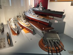 Canon tourelle quadruple (1937) + Cuirassé - Musée de la marine à Paris (stefff13) Tags: musée marine paris canon tourelle cuirassé
