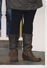 2017-03-31 (25) boots at Laurel Park (JLeeFleenor) Tags: photos photography md maryland marylandracing marylandhorseracing laurelpark horseracing girls woman femme frau vrouw donna lamujer dona امرأة жена 女子 žena kvinde nainen γυναίκα האישה nő औरत wanita 女性 여자 kvinne زن kobieta mulher женщина kvinna หญิง kadın жінка ngườiphụnữ boots shoes footwear footgear brown