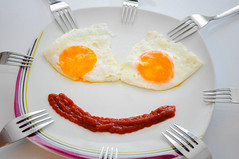 """Day 98/365 - """"Forks"""" (Little_squirrel) Tags: 365the2017edition 3652017 day98365 8apr17 eggs forks smile food fork stillife happy positive plate dinnertime face fun creative meal dinner egg"""
