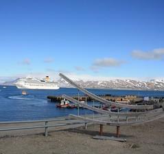 Ny-Alesun (antoniosanchezserrano) Tags: pole noth noruega norge norway cruisse sea artic ocean