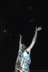 Reach for the Stars (Zeta_Ori) Tags: maui hawaii wailea grandwaileahotel grandwailea grandwailearesort stars nightphotography sculpture orion orionconstellation orionsbelt