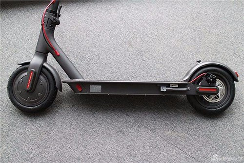 xiaomi m365 ip54 125kg ultralight 30km long life folding electric scooter intelligent bms double brake system 25 kmh max load 100kg two wheels best e bike 2017