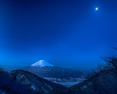 Fuji at moonlit night (shinichiro*) Tags: 南都留郡 山梨県 日本 jp 20170317ds45083edithdr 2017 crazyshin nikond4s afsnikkor2470mmf28ged march spring fuji 御坂 河口湖 富士 33546654385 887218 g 201704gettyuploadesp