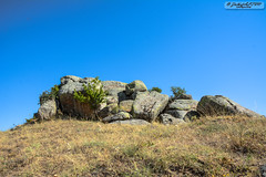 Rock (zulkifaltin) Tags: türkiye kırşehir kaman manzara landscape rural tepe kaya stone taş