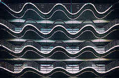 Balkone (Ralf Westhues) Tags: hamburg alster hotel wellen fassade architektur architecture balkon balcony façade