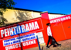 Vente gros (Voyen_Ras) Tags: street urban life explore flickr red color outdoor spring industrial blue sky paris peinturama people citylife photography casual daily 365 gros travel learn live create vivid hdr flickrfriday colours