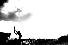 work in progress (part ll) (Hendrik Lohmann) Tags: street streetphotography strase strassenfotografie menschen people work bwstreet bw nikon df hendriklohmann