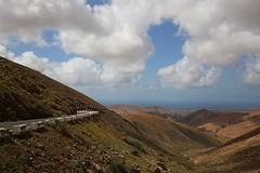 Fuerteventura (Mettwoosch) Tags: fuerteventura lapared ajuy mountains road landscape sky clouds himmel landschaft wolken berge gebirge strase ocean atlantic atlantik ozean meer sea canon eos 5dm3 ef lens 5d3 outdoor travel vacation urlaub holiday canary island kanarischeinsel beautiful