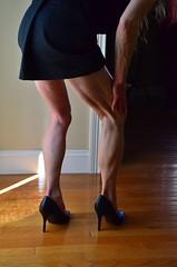 DSC_0095jj (ARDENT PHOTOGRAPHER) Tags: muscular flexing calves granny grannies skinnywomen highheels biceps