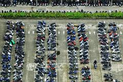 一輩子的尋找 Looking for a lifetime (Singer 晴哥) Tags: canon6d tamron28300mmf3563divcpzd tamron a010 1200sec f56 iso1250 100mm lookfor seeking 尋找 出口 停車位parking 迷宮labyrinth 各式各樣 everykindof 壯觀spectacular 機車 摩托車motorcycle 化繁為簡 對稱symmetry 局部 視角 孤單的 騎士 多與少的對比 點景 重心 陷阱式 構圖composition 都會人 困境 冷色調 城市city 生命的出口 生命的意義 廣度與深度 社會學sociology 心理學psychology 哲學philosophy 抓拍 機會快門timing 隨拍 街拍 snapshot streetsnap 人 人文 紀實 攝影 taipei 台北 臺北市 臺大醫院 台大醫院 停車場 停車格 非空拍機 台灣 臺灣 taiwan singer186 singer 晴哥 pov
