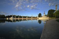 15/52 De paseo por el parque (Txemari Roncero) Tags: lago lake lagocentral trescantos madrid txemarironcero nikon nikond7000 tokina1224 agua nubes paisaje landscape clouds