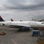 Delta N319NB: Airbus A319 thumbnail