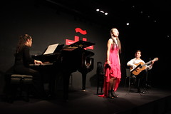 Kumi Matsuo, Ayaka Tanimoto y Jos Mara Gallardo del Rey /     (Instituto Cervantes de Tokio) Tags: music dance dancing danza msica baile institutocervantes