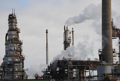 Grangemouth refinery (Theo Laugh) Tags: industry scotland central forth valley bp refinery grangemouth