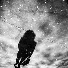 shadow woman / la femme de l'ombre II (mouzhik) Tags: shadow paris canon ombra streetphotography sombra ombre schatten parijs pars cie zemzem mysteriouswoman  photoderue muzhik pary  mujik parys    pariisi   photographiederue  parizo moujik shadowwoman fotografiadistrada fotoderua strasenfotografie  mouzhik      schattenfrau pars  y  prizs lafemmedelombre lamujerdelasombra