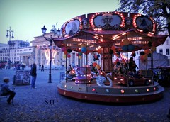 Round goes the Swan Princess (pianocats16, miau...) Tags: berlin swan october go carousel fair round merry