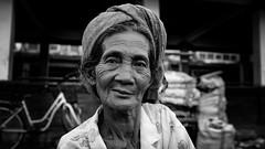 Denpasar (PETMBOU) Tags: bali indonesia streetphotography streetportrait bnwstreet petmbou