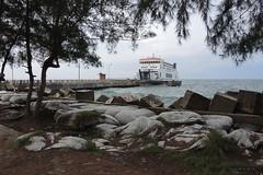 Ferry - Singkil (-AX-) Tags: mer ferry sumatra indonesia aceh bateau jete singkil