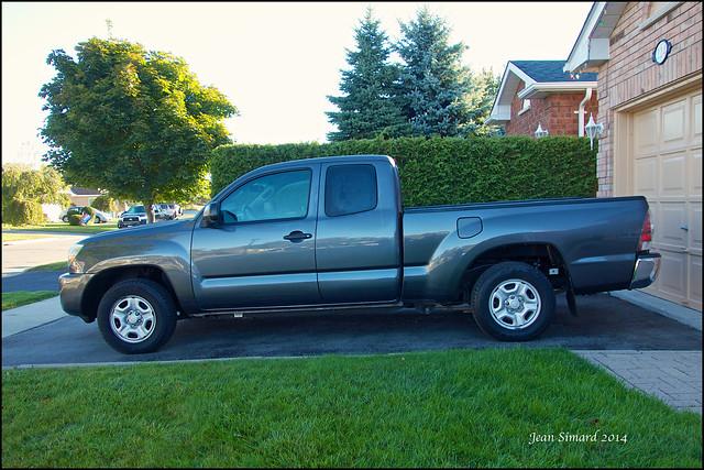 truck used toyota tacoma 2011