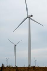 DSC_1097 (Dober Man) Tags: windmill fan illinois wind farm electricity blade windfarm hopedale sigma70200mmf28exdgoshsm